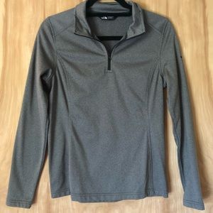 The North Face Half Zip Pull Over